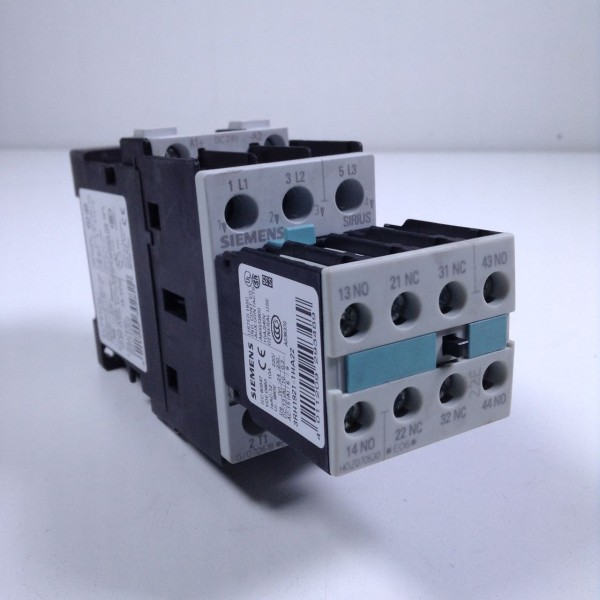 Siemens 3RT1024-1BB44 Schütz 24Volt AC3 5,5KW